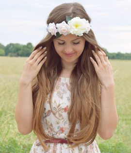 Janina Loves' summer styling for the Envy 3 weft hair extensions